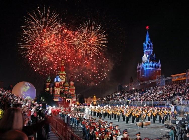Фейерверк в Москве на День Победы